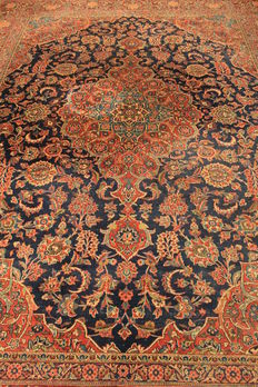 Very beautiful antique fine Persian carpet, Keshan, finest cork wool around 1950, made in Iran, 280 x 370 cm
