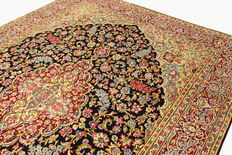 Fine Persian carpet Kirman 3.75 x 2.73 Millefleur design handwoven in Iran, high quality new wool, Oriental carpet TOP CONDITION