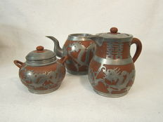 "Yixing tea set with tin mounting ""HSIN Ho.CHENG"" (3) - China - First half of the 20th century"