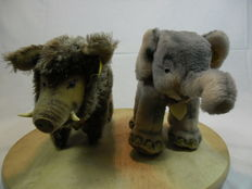 Steiff Old wild boar no. 1320.03 and old elephant no. 6620.00 - Germany