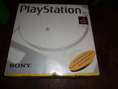 Playstation 1  boxed  incl 2  controllers , cables  and memorycard
