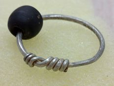 """Rare Medieval, Viking Silver Twisted Ring with a bead with """"Knot"""" Bezel"""