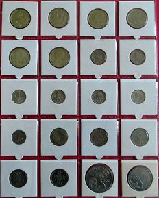 Europe – Collection with various coins (213 different ones) in an album, with a sleeve.