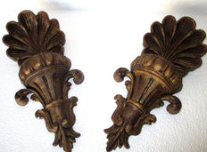 Pair of Wall Appliques in finely carved gilded  wood. Italy 1940