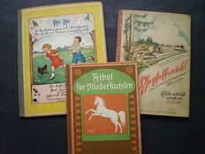 Picture books; Lot with 3 German publications, entirely or partly in Sütterlin script - c. 1910 / 1938