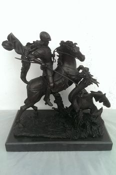 Saint George and the Dragon, bronze with black Portoro marble base - France - 20th century.