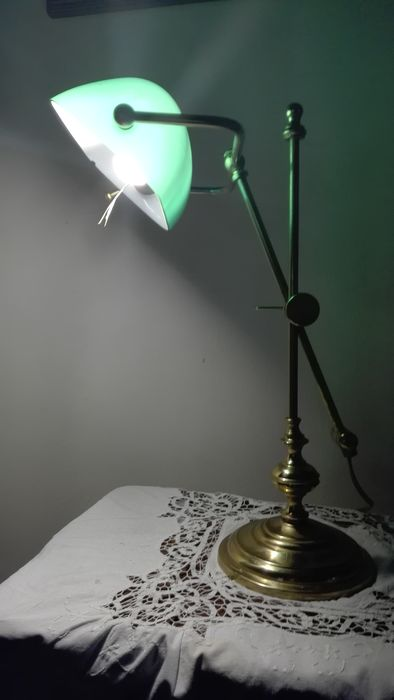 adjustable notary lamp