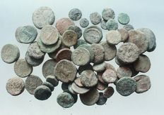 Ancient Greece - Lot of 65 pieces. St. AE coins, 3.-1. Century before Christ. Weight: 185g D = 10-22mm