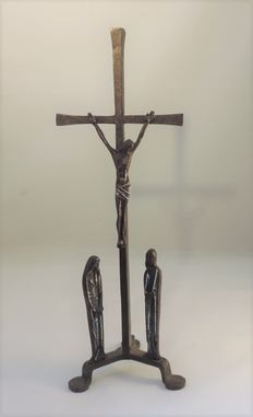 Bronze handmade crucifix with enamel finish - Belgium - 20th century