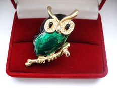 Vintage 1970s - Canada - Gold plated Enameled Owl Brooch with Crystals - Pristine