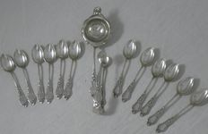 Lutz & Weiss-12 Art Nouveau silver spoons with tea strainer and sugar tongs