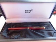Montblanc Burgundy Fountain pen Excellent !