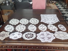 Lot of 15 pieces of old Bruges bobbin lace - Belgium - Mid-20th century