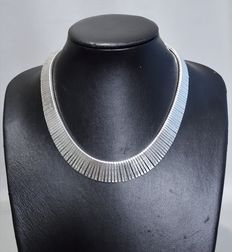 Wide silvernecklace – 1960s/70s