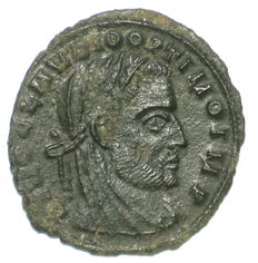 Roman Empire - AE half follis - Claudius II Gothicus under Constantine the Great - commemorative issue - struck 317-318 AD -  19 mm, 1,15 gr
