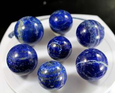 Collection of polished Lapis Lazuli spheres - 27 to 30mm - 378gm  (7)