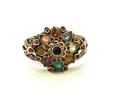 14 kt gold movable ring, with pattern of natural droplet cut stones - 1940s