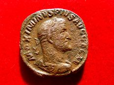 Roman Empire - Maximinus I Thrax (235-238) bronze sestertius (22,96 g, 28 mm.) minted in Rome, 236 A.D.. FIDES MILITVM. S/C