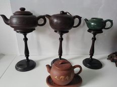 A lot of 4 Yixing teapots – China – 2nd half 20th century