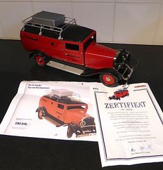 "Märklin, Germany - Length 40 cm - Tin delivery truck ""Reichspost"" with clockwork motor, 80s/90s"