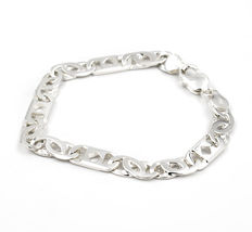 Bracelet with silver links and lobster clasp