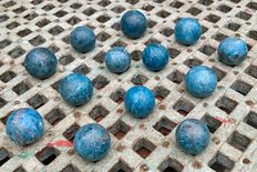 Collection of small Blue Apatite spheres - 3,3 tot 3,9cm - 1,01 kg  (13)