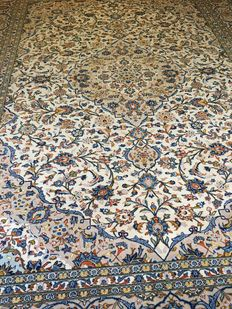 Beautiful hand-knotted genuine Persian XL ROYAL KASCHAN with vegetable colours. ca. 300 x 395 - Persia - free shipping!