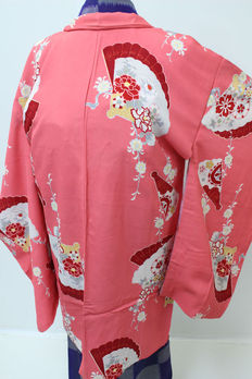 A special and beautifully haori kimono decorated with classic japanese designs - Japan - early 20th century
