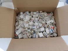 Lot of 104685 stamps, in 1219 bundles.