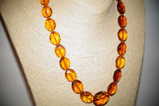 Faceted Baltic Amber necklace, butterscotch-honey colour, 39 gr.