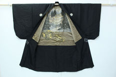 Silk Haori Kimono with Japanese architecture and dragon- Japan - mid 20th century