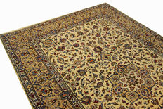 Fine Persian carpet Kashan 3.07 x 2.08m, cream, handwoven in Iran, high quality new wool, great condition, oriental carpet.