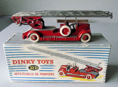 Dinky Toys-France - Scale 1/48 - Auto-firemen ladder No.32d
