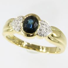 18k sapphire and diamond gold ring - anno 1980- Ring size: EU-56 & 17¾, USA-7½, UK-O½