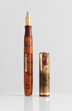 Waterman's Lady Patricia: vintage vulpen 1930 onyx met rood ebonite gold trim