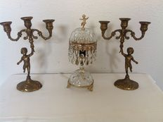 Boudoir lamp with 2 putty candlesticks