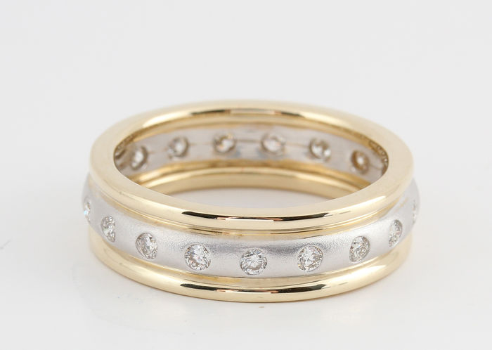 14kt. gold diamond eternity ring total 0.51 ct / 6.10gr / G-H VS1-VS2 / Ring size 57 /