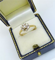 "UK hallmarked vintage solid gold ""star"" ring set 7 Diamonds 0.25ct"