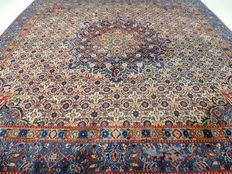 "Maud – 193 x 190 cm – ""Square Persian carpet with silk in very beautiful, hardly used condition"""