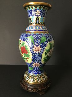 Cloisonné vase - China - Second half of the 20th century