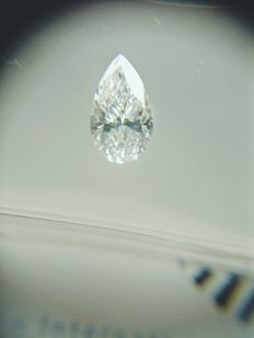 Pair of Pear cut diamond total 1.07 ct D IF