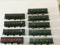 Märklin/Roco H0 - 9 three-axle local carriages of the DB, partly with interior lighting