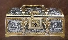 Chest Jewellery box, metalsmithing in silver and gold.