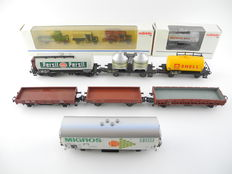Märklin H0 - 1888/a.o. - 8 different freight carriages + 3 historic carriages [418]