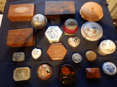 Collection of 20 jars and boxes