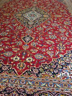 Gorgeous, original, hand-knotted Persian XL KASCHAN SHADSAR with vegetable dyes! Approx. 294 x 390 – in very good condition – free shipping to Europe!