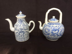 Porcelain teapots - China - 19th century