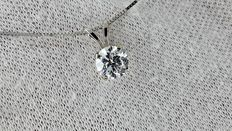 0.72 ct round diamond pendant in 14 kt white gold *** no reserve price ***