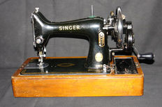 Hand sewing machine Singer 99, with wooden cabinet - 1954