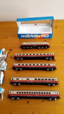 Märklin H0 - 3357/4095/-96/-97/-98 - E-loc TEE BR 103 with 4 matching carriages of DB